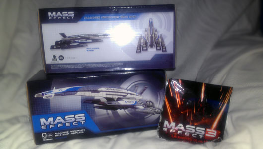 Mass-Effect-Alliance-Normandy-SR-2-Ship-Replica