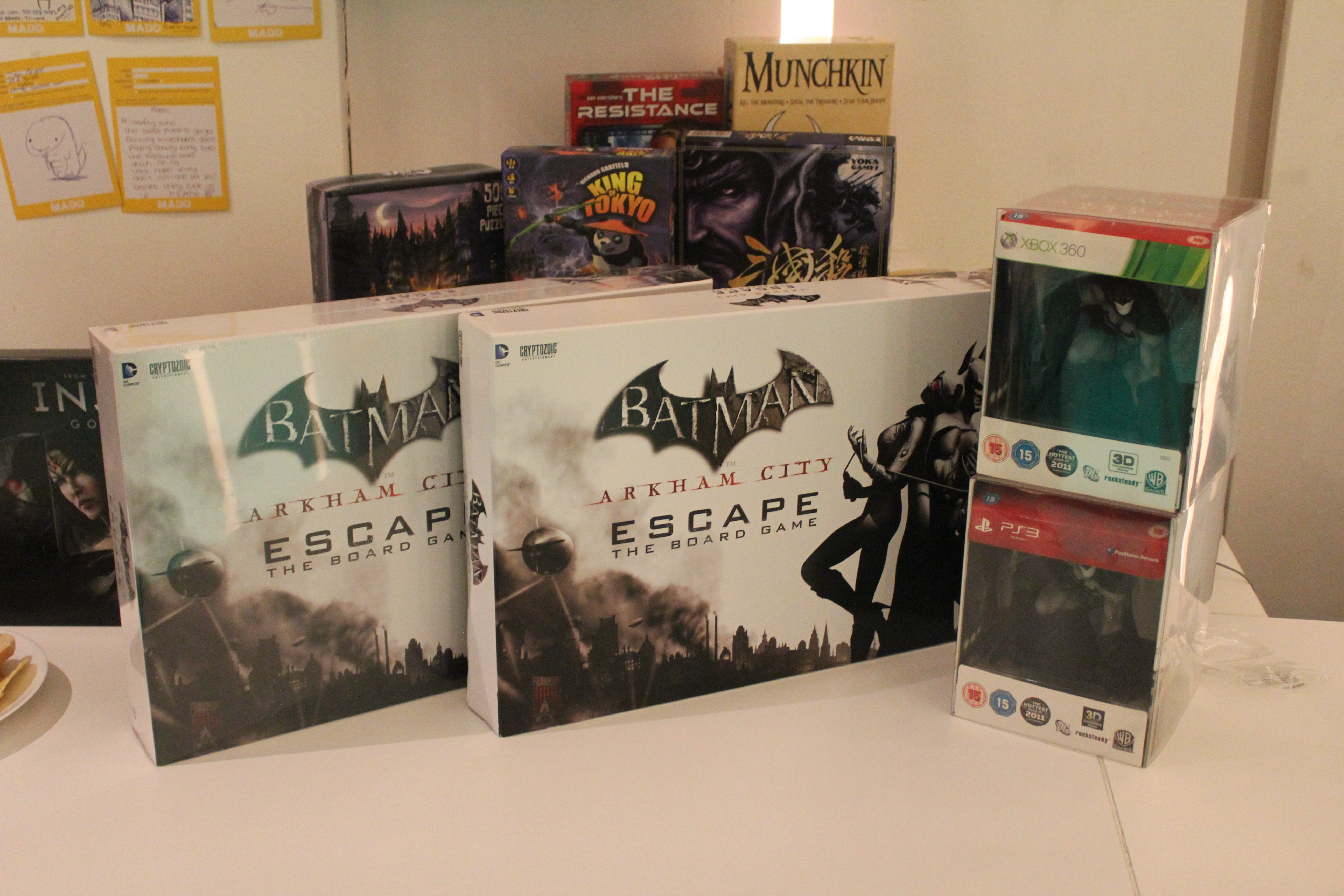 The prizes available to be won included two Batman: Arkham City Special Edition Statues, a press copy of Injustice: Gods Among Us and of course a copy of Batman: Arkham City Escape.